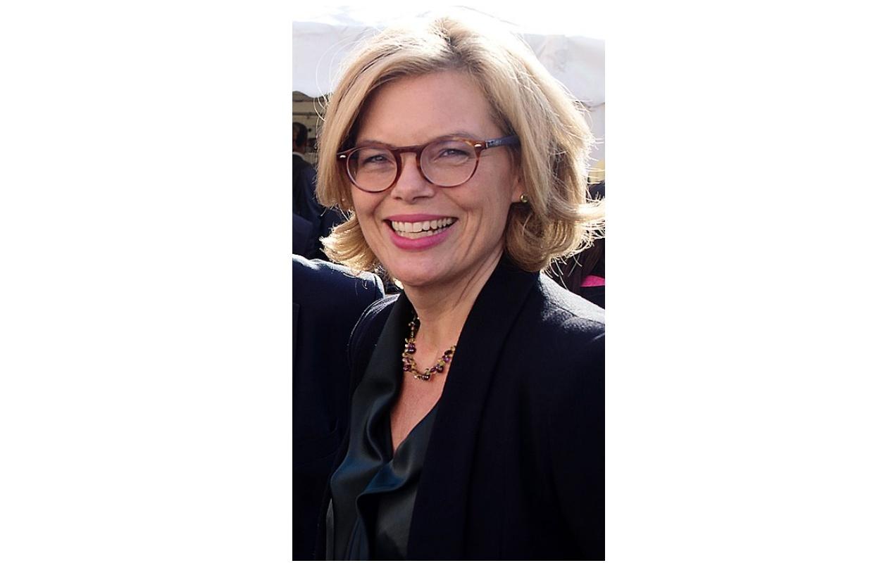 Ist Kein Einzelfall – Fall Ministerin Der Klöckner Wilke VzSpqUM